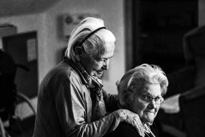 two_elderly_women.alert1